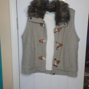Maurices faux fur vest xl